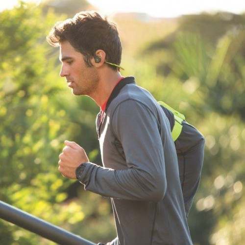 plantronics-14q1-backbeatfit-lifestyle-lg